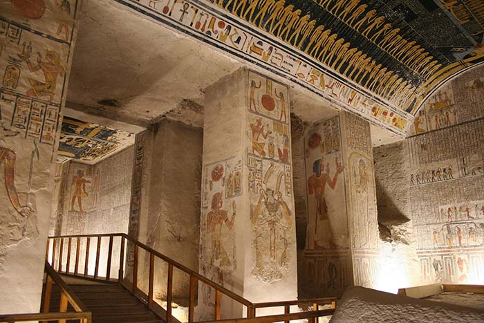 Ancient Egyptian Interior Architecture tomb robbers in ancient egypt