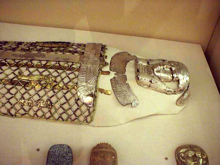 Queen Mernua Mummy Trappings